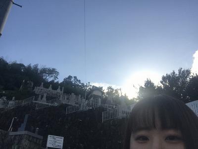 東大阪市の横小路墓地にてお客様の墓所の確認です。