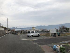 富田林市西山霊園の駐車場