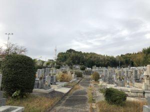 富田林市西山霊園は静かな墓地です