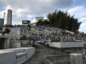上田墓地(河内長野市)のなだらかなスロープ