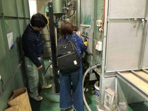 東大阪にある本社工場で彫刻体験