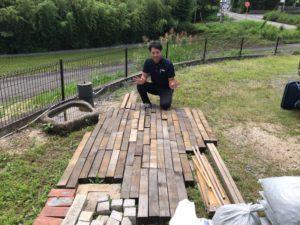 石材店で木材お譲りいたします。