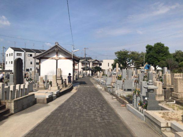阿保墓地(松原市)の風景